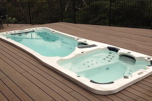 watergym with spa de nage encastrable extrieur. Black Bedroom Furniture Sets. Home Design Ideas